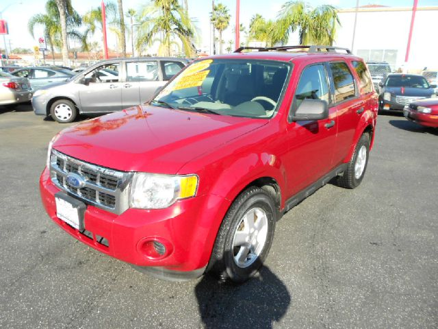 2010 FORD ESCAPE XLS 4DR SUV red do you want reliability than this is the one for you its a ford
