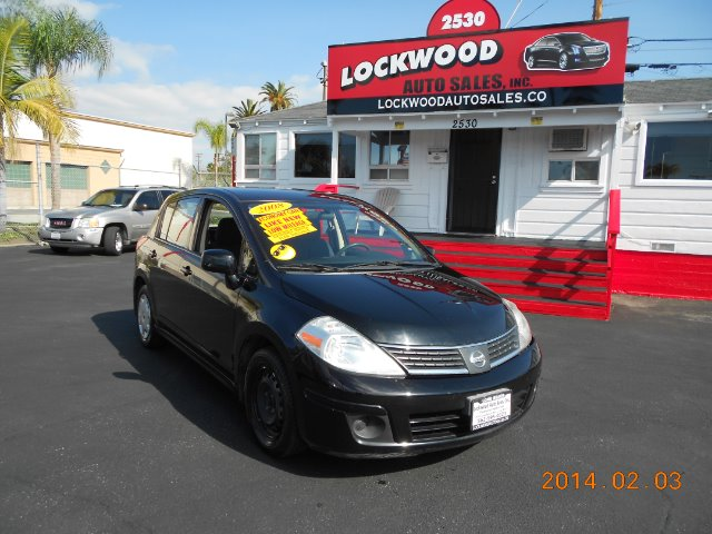 2008 NISSAN VERSA black this 2008 nissan versa is a great car gas saver very economical only