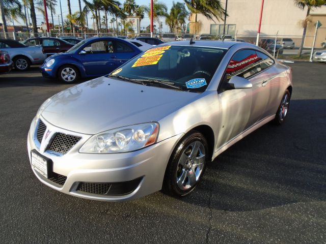2009 PONTIAC G6 BASE 2DR COUPE silver this 2009 pontiac g6 is a dream come true it is a very re