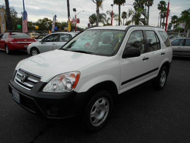 2005 HONDA CR-V LX AWD 4DR SUV white do you want reliability than this is the one for you its a