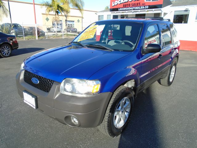 2006 FORD ESCAPE XLT SPORT AWD 4DR SUV black do you want reliability than this is the one for you