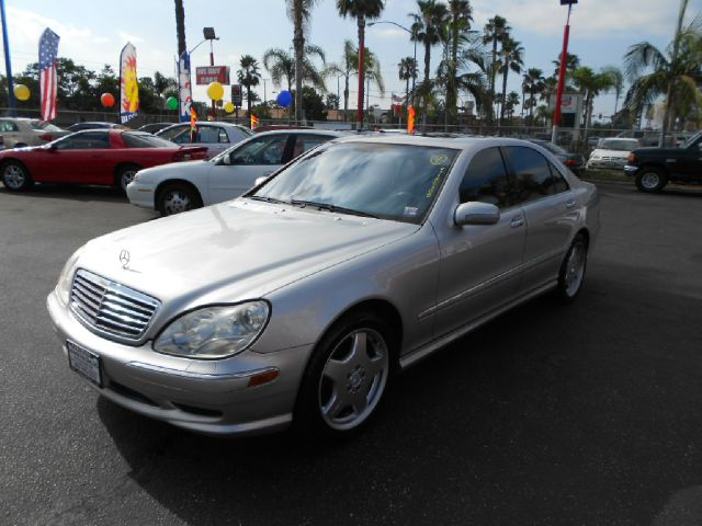 2001 MERCEDES-BENZ S-CLASS S55 AMG 4DR SEDAN silver this handsome 2001 mbz s55 amg is in fantastic