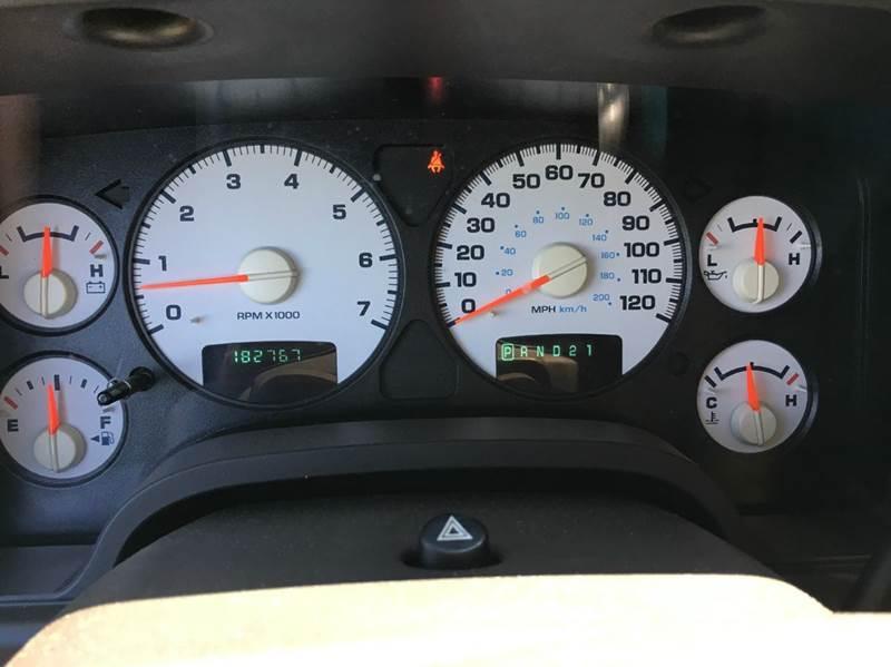 2004 Dodge Ram Pickup 1500 4dr Quad Cab SLT 4WD SB - Janesville MN
