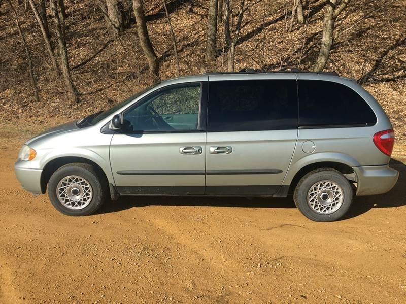 2004 Chrysler Town and Country Family Value 4dr Mini-Van - Janesville MN