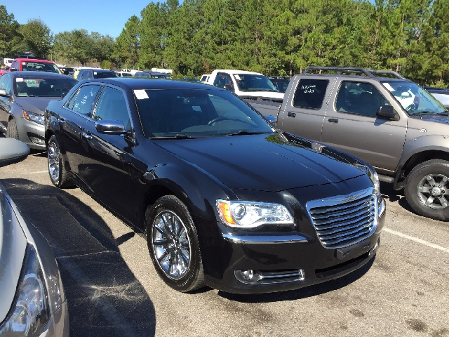2011 CHRYSLER 300 LIMITED 4DR SEDAN black 2-stage unlocking doors abs - 4-wheel active head res