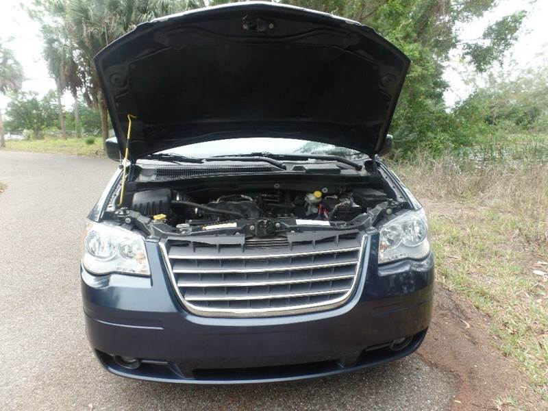 2008 Chrysler Town and Country Touring 4dr Mini-Van - Fort Myers FL