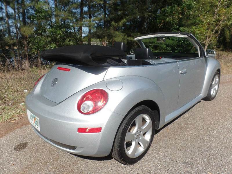 2006 Volkswagen New Beetle 2.5 2dr Convertible w/Automatic - Fort Myers FL