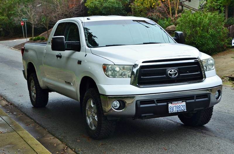 Delightful 2010 Toyota Tundra Grade 4x4 4dr Double Cab Pickup SB (5.7L V8)