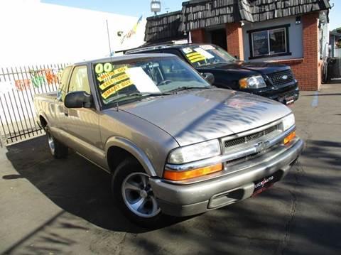 2000 Chevrolet S-10 for sale in Modesto, CA