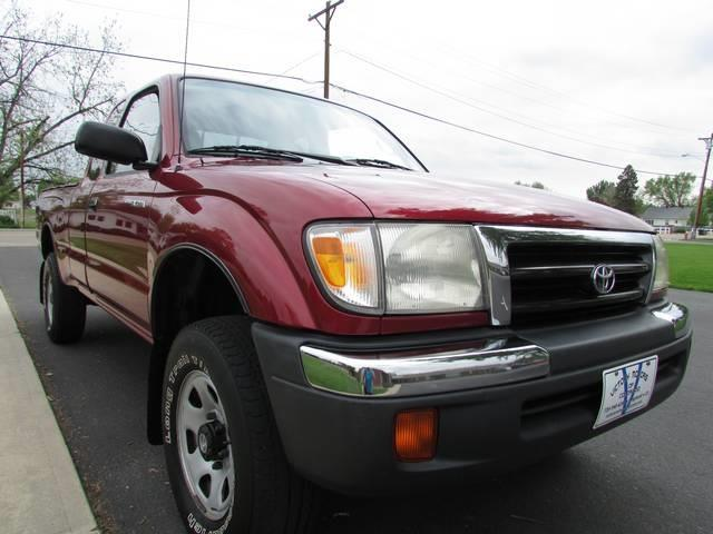 1999 toyota tacoma for sale in longmont co for Checkered flag motors everett wa