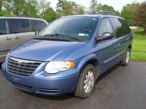 2007 Chrysler Town and Country for sale in Honeoye Falls, NY