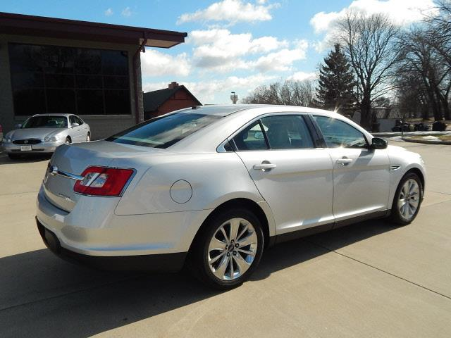 2011 Ford Taurus Limited 4dr Sedan - Norwood MN