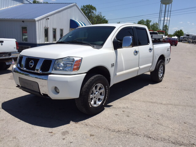 2004 nissan titan 4dr crew cab le 4wd sb in richmond ky. Black Bedroom Furniture Sets. Home Design Ideas