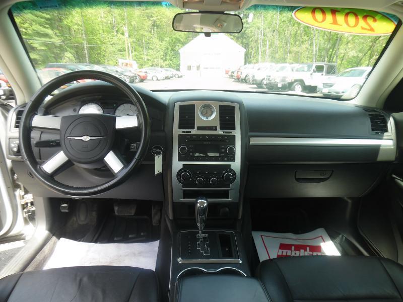 2010 Chrysler 300 Touring 4dr Sedan - Londonderry NH