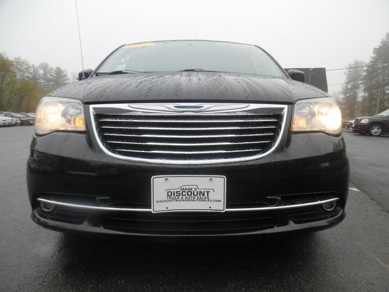 2012 Chrysler Town and Country Touring 4dr Mini Van - Londonderry NH