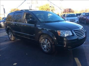 2009 Chrysler Town and Country for sale in Waterford, MI