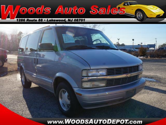 Auto Sales In Newport Ar: 2000 Chevrolet Astro