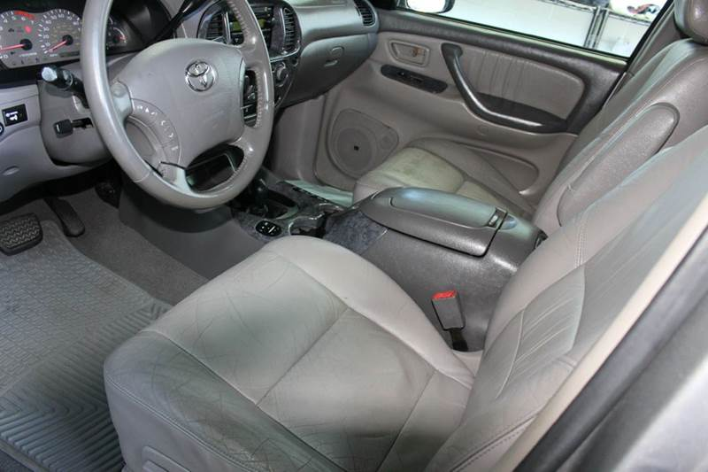2004 Toyota Sequoia Limited 4WD 4dr SUV - Sterling VA