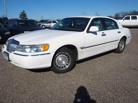 Lincoln town car for sale minnesota for Quinn motors shakopee mn