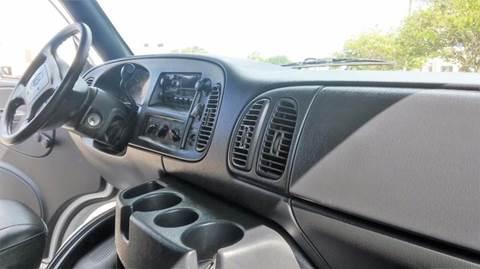2001 Dodge Ram Cargo