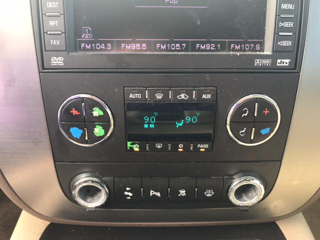 2007 GMC Yukon XL SLT 1500 4dr SUV w/4SB w/ 2 Package - Greenville NC