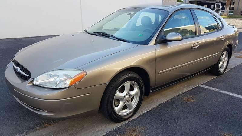 Used Cars in Las Vegas 2003 Ford Taurus
