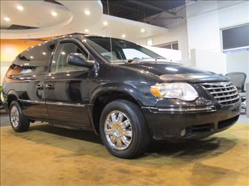 2006 Chrysler Town and Country for sale in Elmhurst, IL
