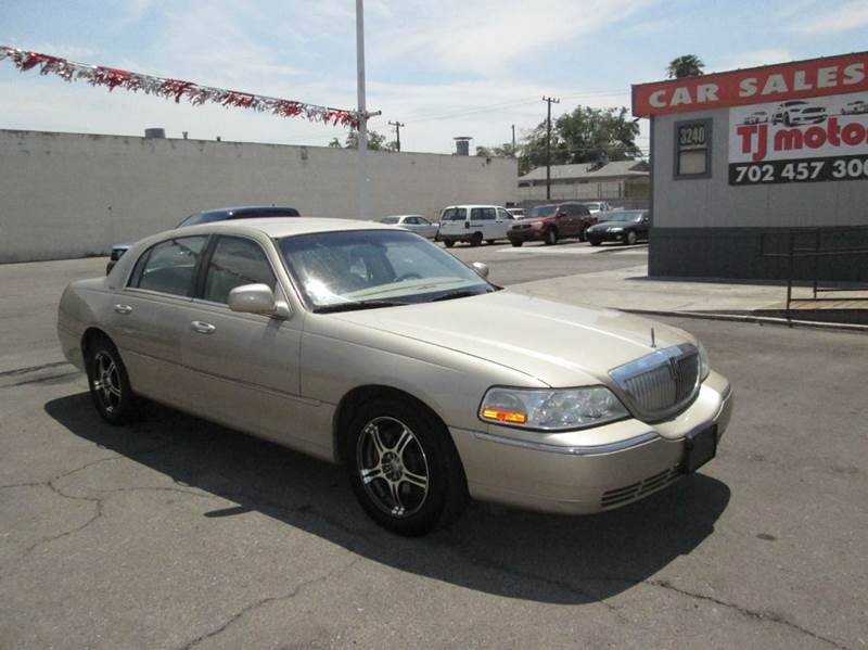 Used Cars in Las Vegas 2005 Lincoln Town Car