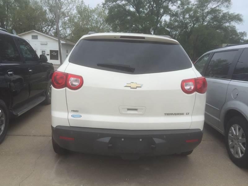 2011 Chevrolet Traverse LT AWD 4dr SUV w/1LT - Des Moines IA