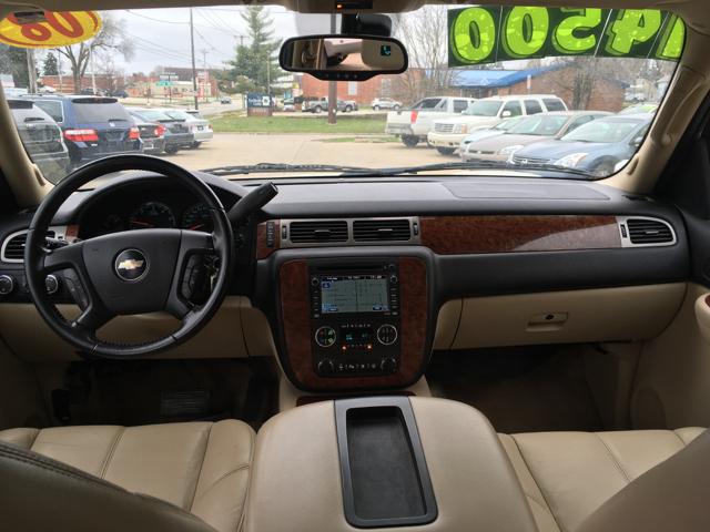 2008 Chevrolet Suburban LTZ 1500 4x4 4dr SUV - Des Moines IA