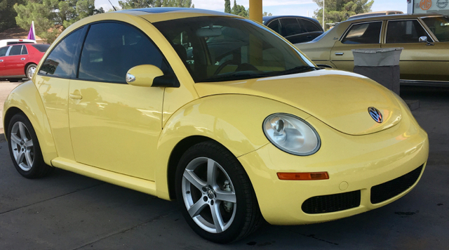 2010 Volkswagen New Beetle Base 2dr Coupe 6A - Las Cruces NM