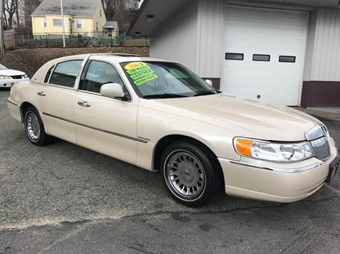 Lincoln Town Car For Sale In Massachusetts Carsforsale Com