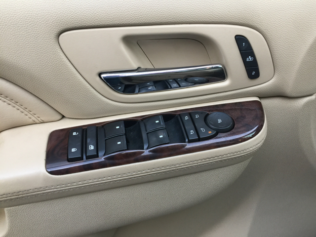 2011 Cadillac Escalade EXT Luxury AWD 4dr Pickup - Eden Prairie MN
