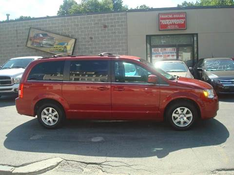 2008 Chrysler Town and Country for sale in Cranston, RI