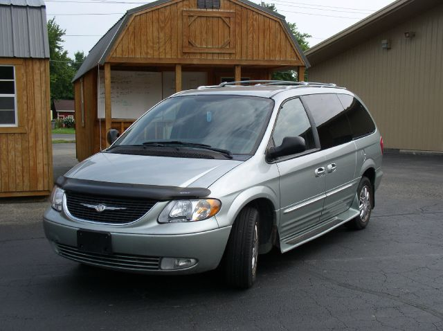 2004 Chrysler Town and Country for sale in Farmer City IL