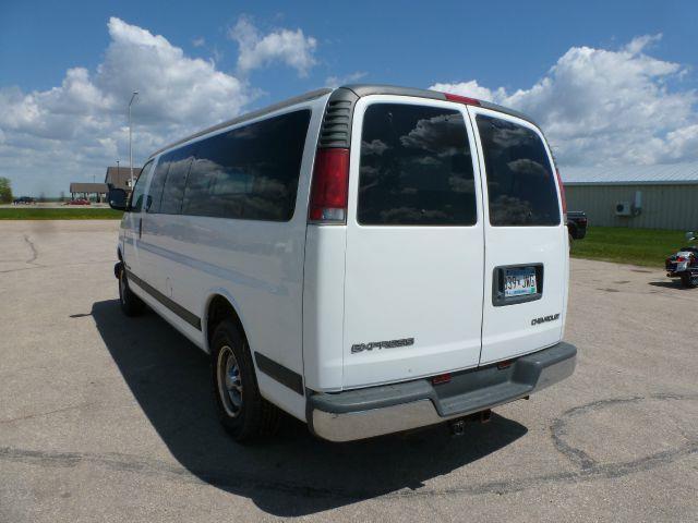 2001 Chevrolet Express G3500 - Roseau MN