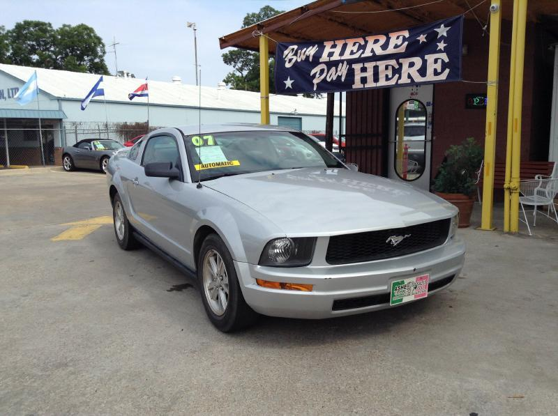 2007 ford mustang v6 deluxe 2dr fastback in dallas tx ashe auto sales. Black Bedroom Furniture Sets. Home Design Ideas