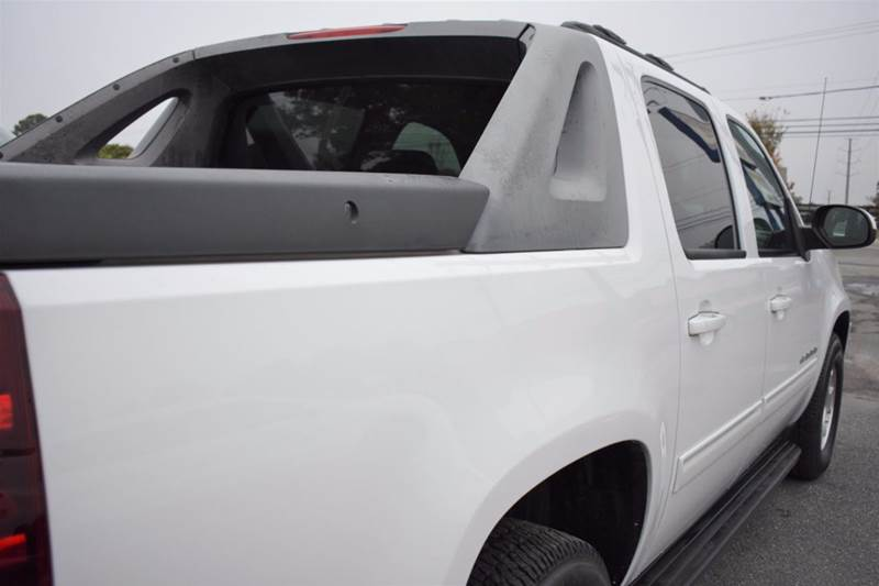 2011 Chevrolet Avalanche 4x2 4dr Crew Cab Pickup W