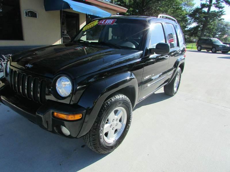 2002 JEEP LIBERTY LIMITED 4DR 2WD SUV black pretty sharp looking liberty its got plenty of room