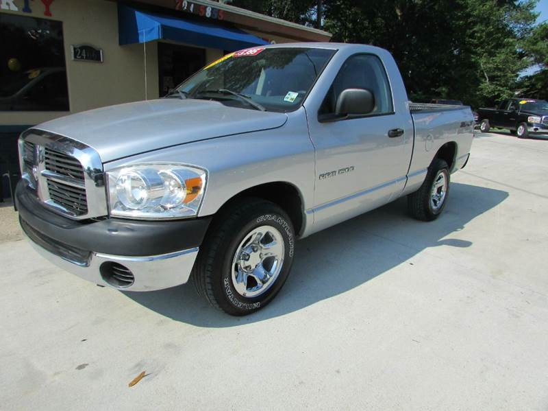 2007 DODGE RAM PICKUP 1500 ST 2DR REGULAR CAB SB silver perfect starter truck its got a great se