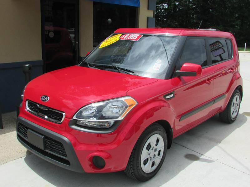 2013 KIA SOUL BASE 4DR WAGON 6M red little red 2013 kia soul with only 26000 miles  the manual t