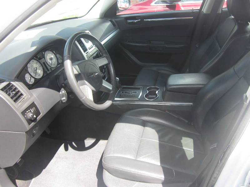 2010 Chrysler 300 Touring 4dr Sedan - Whitehall PA