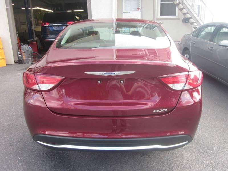 2015 Chrysler 200 Limited 4dr Sedan - Whitehall PA