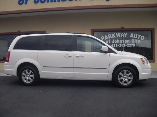 2010 Chrysler Town and Country Touring 4dr Mini-Van - Bristol TN