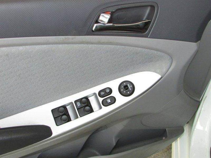 2012 Hyundai Accent SE 4dr Hatchback - Longwood FL