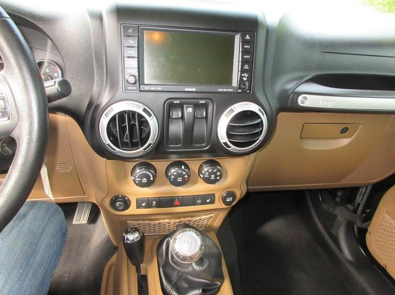 2011 Jeep Wrangler 4x4 Rubicon 2dr SUV - Duxbury MA