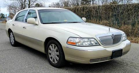 2005 Lincoln Town Car for sale in Suitland, MD