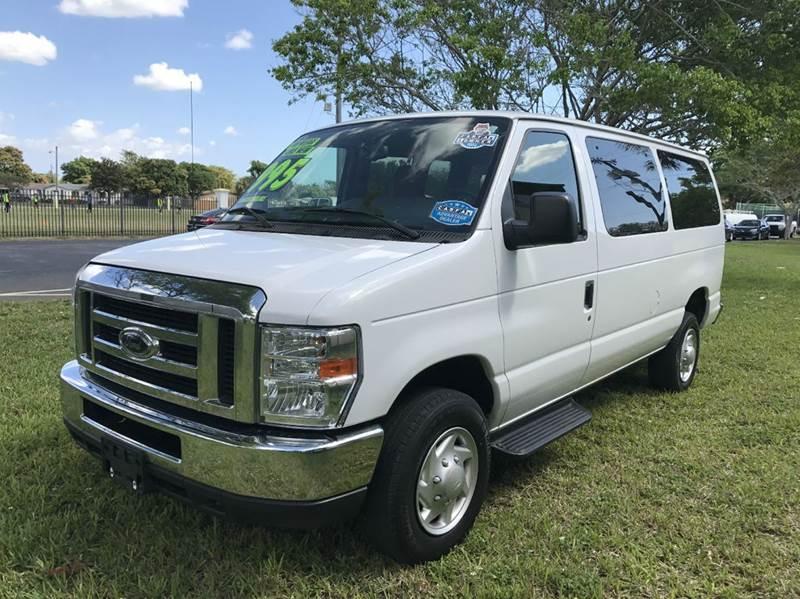 2013 FORD E-SERIES WAGON E-350 SD XLT 3DR PASSENGER VAN whi 2013 ford e-350 wagon passenger this v