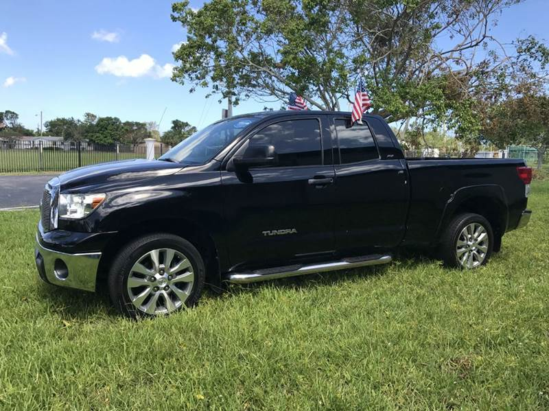 2011 TOYOTA TUNDRA GRADE 4X2 4DR DOUBLE CAB PICKUP back 2011 totyota tundra sport this vehicle is