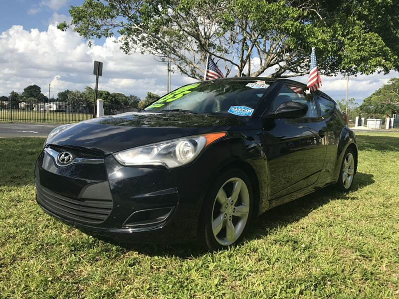 2012 HYUNDAI VELOSTER BASE 3DR COUPE WBLACK SEATS balck 2012yundai veloster  eco boost sport this